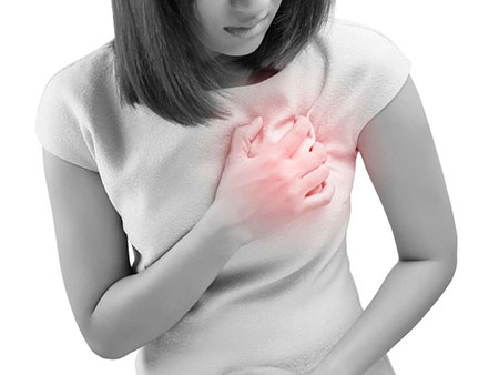 علت درد سینه در زنان چیست؟