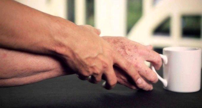 استفاده از گلیسیرین و گلاب برای لطافت و زیبایی دست ها