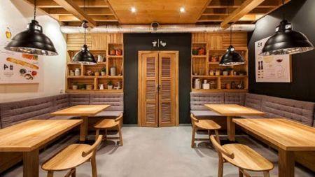 دکور عجیب  و ترسناک رستوران مشتریها را فراری داد