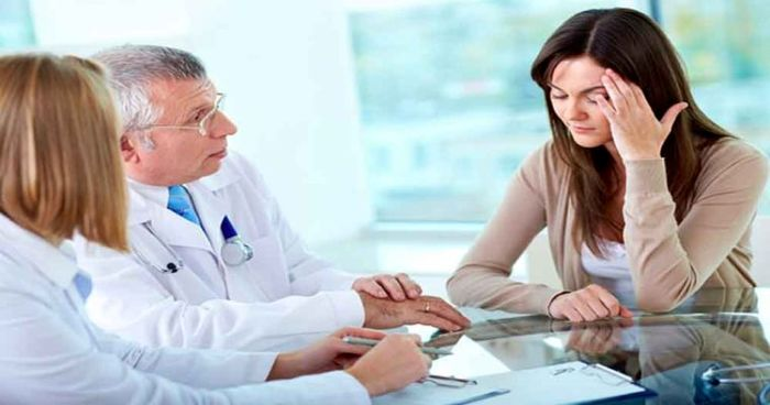 علایم جسمانی سندورم PMS