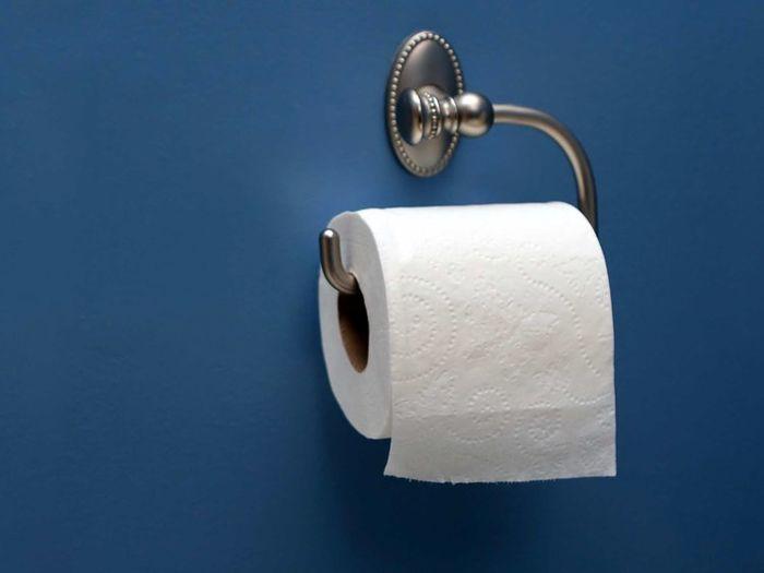 استفاده از دستمال توالت آری یا خیر؟