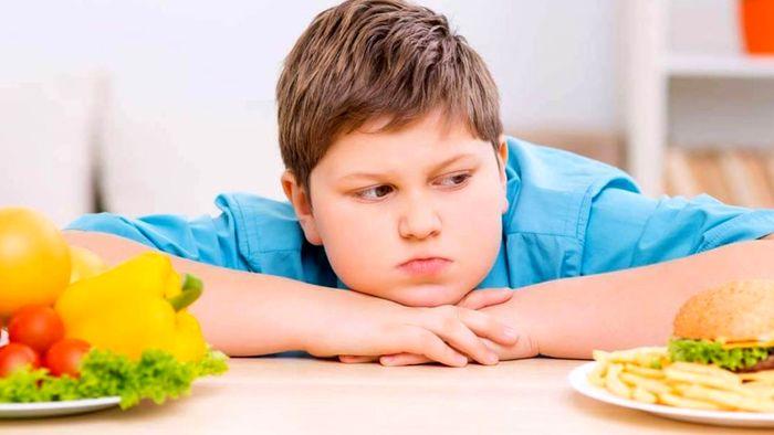 کرونا چه بلایی بر سر کودکان چاق می آورد؟