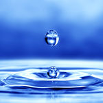 آب؛ نوشیدنی که باعثزیبایی می شود