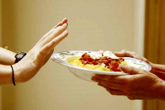 رژیم غذایی کم کالری برای چه کسانی متناسب است؟