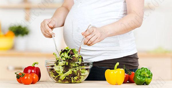 در دوران بارداری چه باید بخوریم ؟