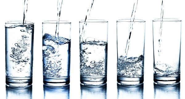 آیا نوشیدن آب، بیش از ورزش چربی سوزی می کند؟