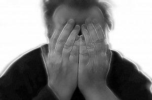 باورهای خود را برای مبارزه با اضطراب زیر سوال ببرید