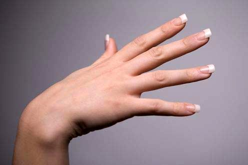 روش های تقویت ناخن های دست
