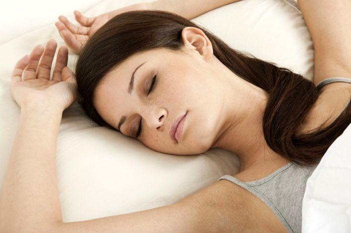 چگونگی خوابیدن کودکان و شرایط مناسب برای خواب کودکان