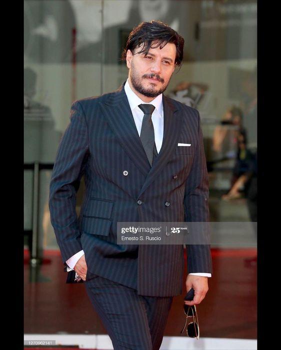 استایل متفاوت جواد عزتی در جشنواره ونیز