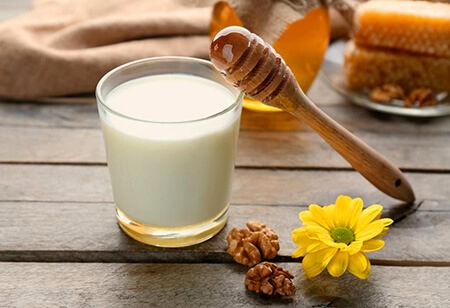 مزایا مصرف شیر و عسل
