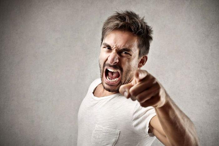 خصوصیات افراد خشمگین