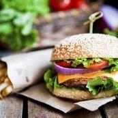 بعد از عمل جراحی آپاندیس چه غذاهایی نباید بخوریم؟