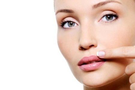 عوامل بروز خطوط صورت و درمان آنها