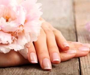 راه حلهای ساده برای داشتن ناخن های زیبا و محکم