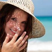 چرا برخی افراد بیشتر مستعد آفتاب سوختگی هستند؟