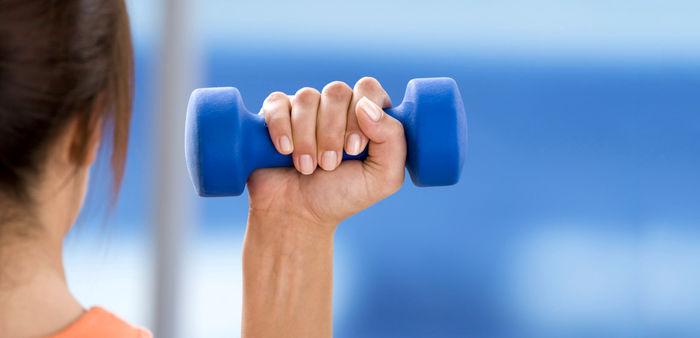 با این 10 حرکت ساده مچ دست خود را تقویت کنید