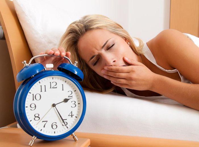 چه عواملی سبب ایجاد اختلالات در خواب می شود ؟