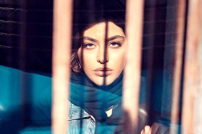 زندانی شدن ریحانه پارسا !+عکس