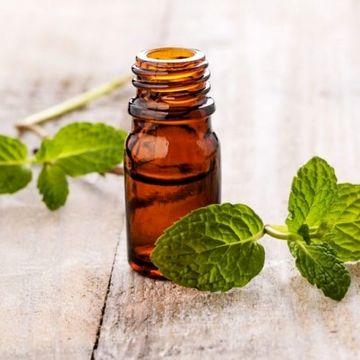 با روغن درخت چای زگیل های پوستی را درمان کنید