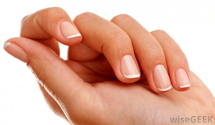 چگونه لکه های سفید را از روی ناخن ها محو کنیم؟