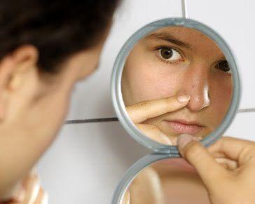 چگونه لکه های تیره روی پوست را از بین ببریم