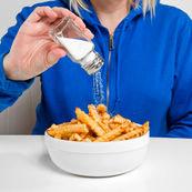 حذف نمک غذا برای کمک به درمان سندروم پیش از قاعدگی