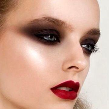آرایش چشم اسموکی آسان است