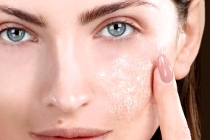 لایه های مرده ی پوست را از بین ببرید