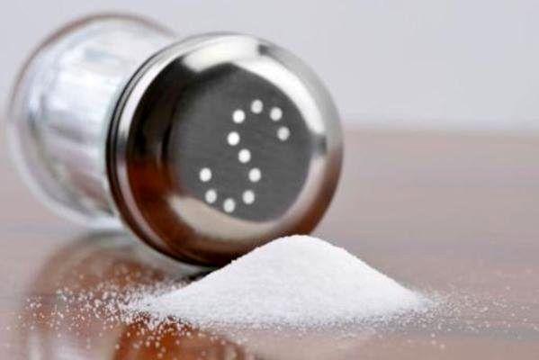 کاهش مصرف نمک را جدی بگیرید
